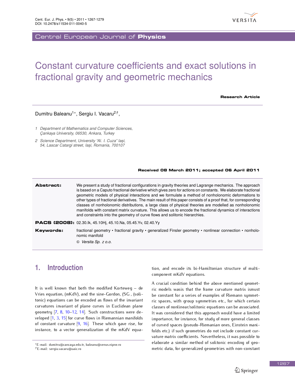 Constant curvature coefficients and exact solutions in